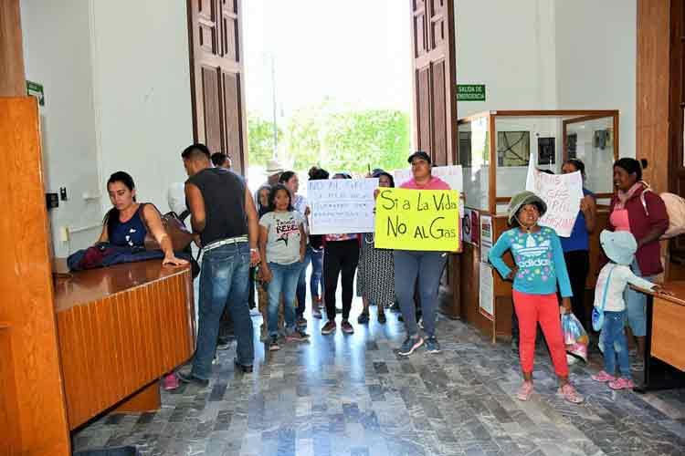 ¡Autoridades violan derecho de manifestación de habitantes de La Laguna en Lagos de Moreno!