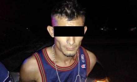 Conducía vehículo con reporte de robo y fue detenido tras una persecución en San Francisco de los Romos