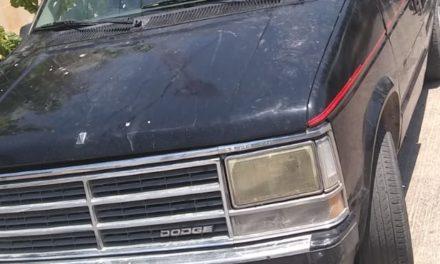 Mujer conducía vehículo con alteraciones, que fue asegurado en Pabellón de Arteaga