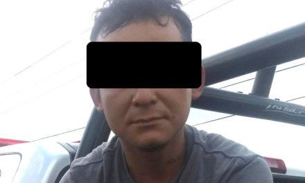 Contaba con una orden de aprehensión vigente por violencia familiar y fue detenido