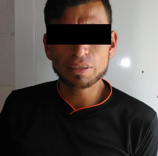 En el municipio de San Francisco de los Romo, fue detenido un sujeto que contaba con una orden de aprehensión por robo