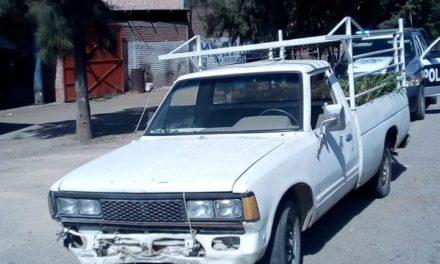 Conducía camioneta con placas sobrepuestas y fue detenido en el municipio de Tepezalá