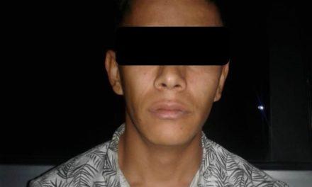 DETIENEN ELEMENTOS DE LA SSPE A PRESUNTO DISTRIBUIDOR DE DROGAS