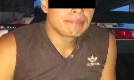 Tras haber sido señalado por robo en agravio de una tienda de conveniencia fue detenido en el municipio de Pabellón de Arteaga
