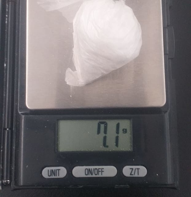 Detienen policías a sujeto con droga crystal en el municipio de Tepezalá