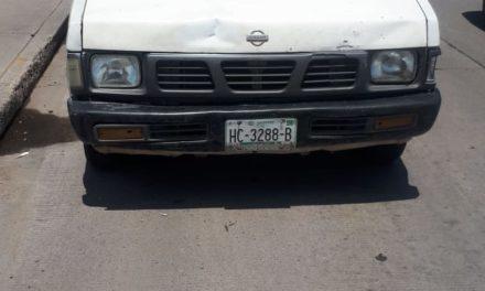 Conducía vehículo con placas sobrepuestas y fue detenido en el municipio de San Francisco de los Romo