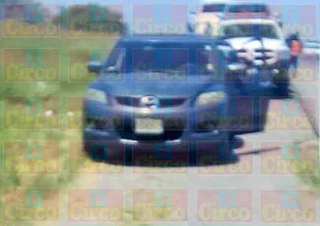 ¡Grupo armado asalta trailers y secuestran a 3 custodios que los escoltaban en Lagos de Moreno!
