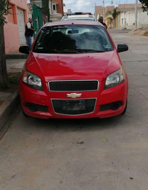 Vehículo que contaba con reporte de robo, fue recuperado en Pabellón de Arteaga
