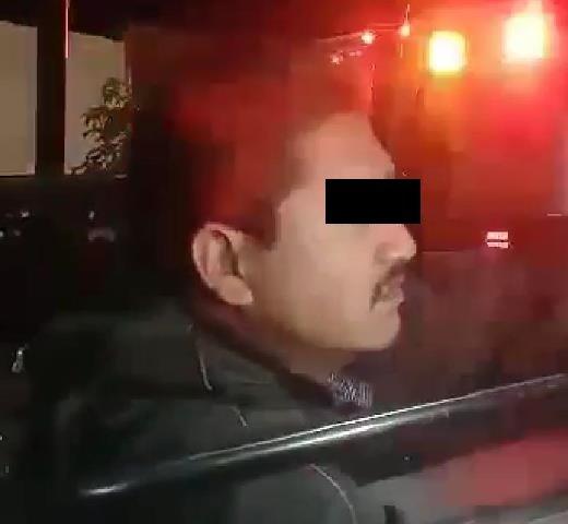 ¡Intoxicado sujeto robó una ambulancia y chocó contra un camión urbano en Aguascalientes!