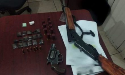 ¡PEP aseguró en Guadalupe a tres personas por la posesión de armas de fuego y dosis de droga!