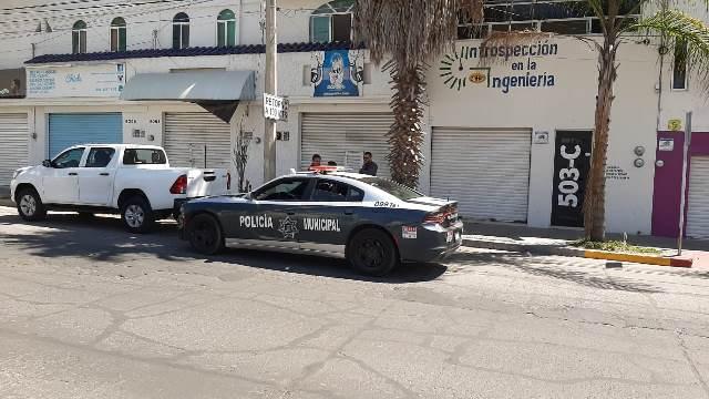 ¡Pistoleros asaltaron dos negocios de venta de teléfonos celulares en Aguascalientes!