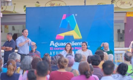 ¡Tere Jiménez reconoce labor de locatarios del Mercado Terán!