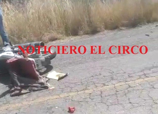 ¡Motociclista murió arrollado por una camioneta en Lagos de Moreno!