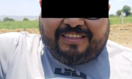 LLENÓ EL TANQUE DE SU AUTOMÓVIL Y SE RETIRÓ DE LA GASOLINERA SIN EFECTUAR EL PAGO CORRESPONDIENTE, FINALMENTE, FUE DETENIDO