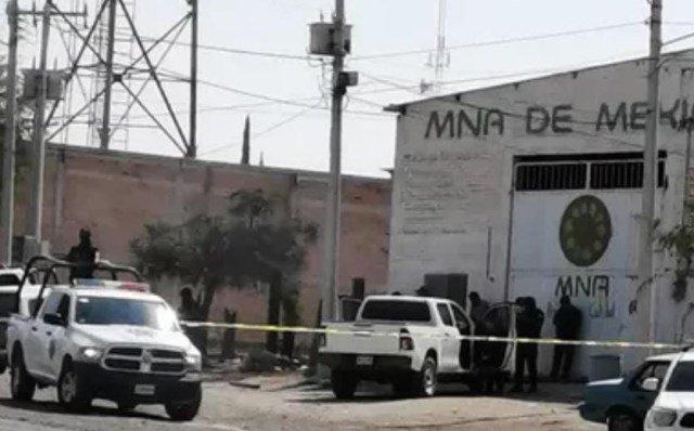 ¡Hallaron a hombre ejecutado de un balazo en la cabeza en una camioneta en Encarnación de Díaz!