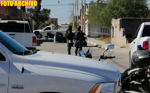 ¡Ejecutaron a un hombre e hirieron a otro de gravedad a bordo de un auto en Guadalupe!