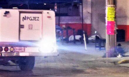¡En un puesto ambulante de comida ejecutaron a 3 personas y lesionaron a otras 3 en Guadalupe!
