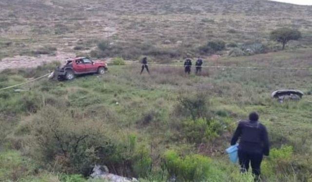 ¡Volcadura de una camioneta en Pinos dejó 2 muertos y 2 lesionados!