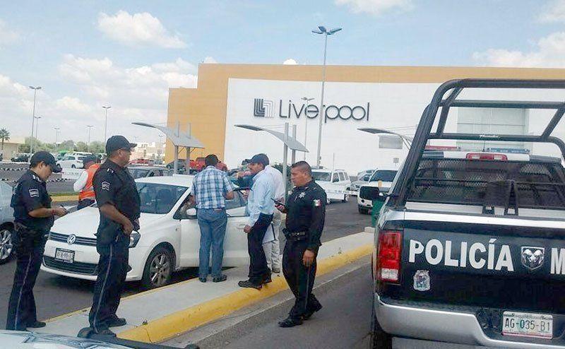 ¡Asaltan a cuentahabientes enel estacionamiento de Altaria!