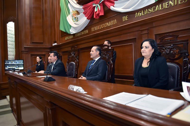 ¡El Gobernador del Estado asistió a la Clausura del 2o. Periodo Ordinario de Sesiones de la LXIII Legislatura!