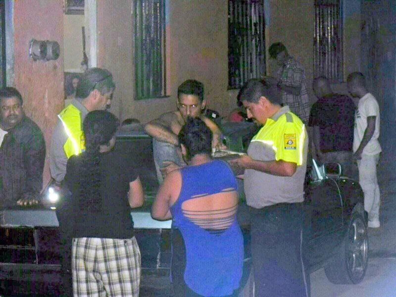¡Balean a 2 jóvenes en lacolonia Macías Arellano en Aguascalientes!