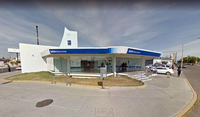 ¡Asalto afuera de Bancomer enLópez Mateos y Convención Pte. en Aguascalientes!