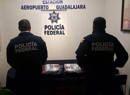 ¡Policía Federal asegura a dos sujetos en posesión de 200 mil dolares en el aeropuerto de Guadalajara!