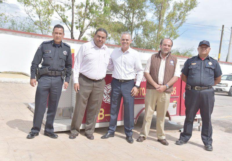 ¡Entrega el Municipio de Jesús María a Cosío equipamiento para Bomberos!