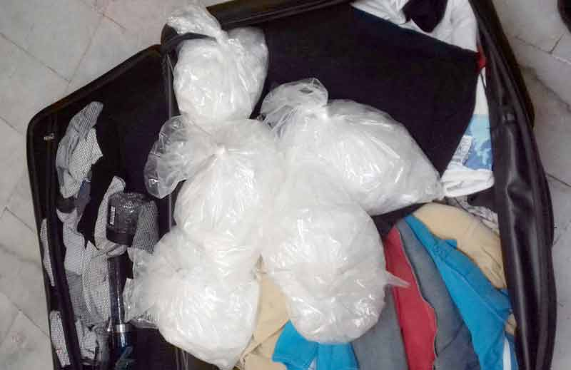 Policía Federal aseguró mas de 8 kilos de droga en un autobús de pasajeros en Sinaloa!