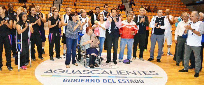 """¡Se reúne la familia basquetbolista en Homenaje a Norberto """"Lou"""" Mena!"""