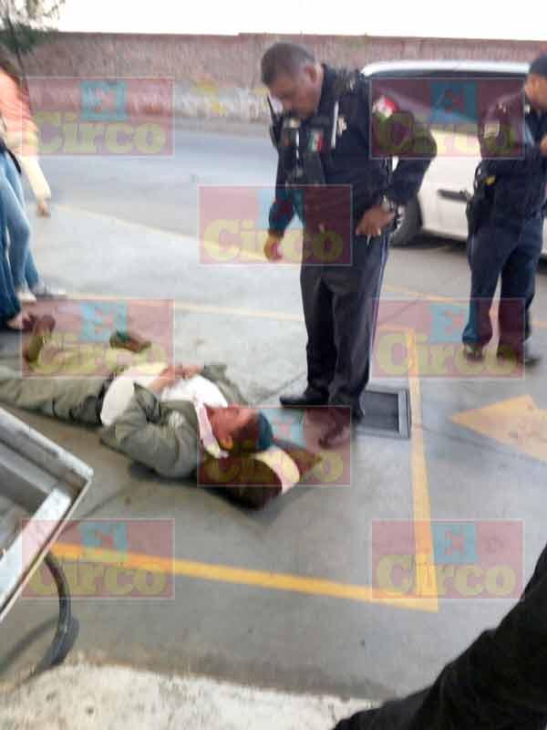 ¡Despachador de gasolina lesionado al estallarle un neumático en la cara en Aguascalientes!