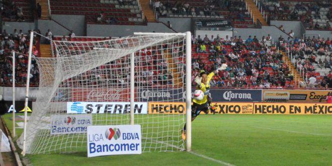 GALERIA/¡Necaxa y Puebla aburren en el Estadio Victoria, empatan a un gol!