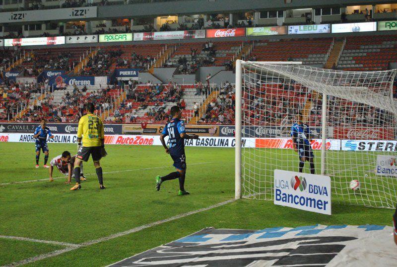 ¡Necaxa y Puebla aburren en el Estadio Victoria, empatan a un gol!