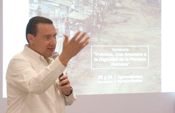 ¡Participa Paulo Martínez en seminario para jóvenes panistas!