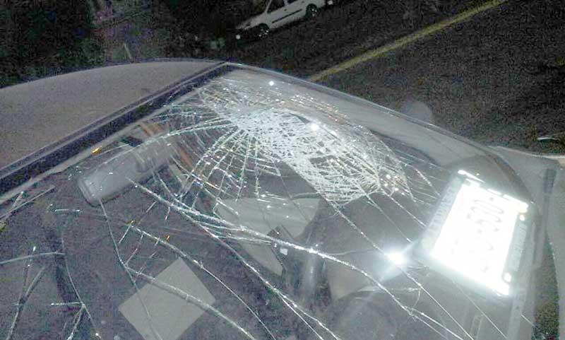 ¡Joven conductor se quedó dormido al volante y chocó contra tráiler en Aguascalientes!