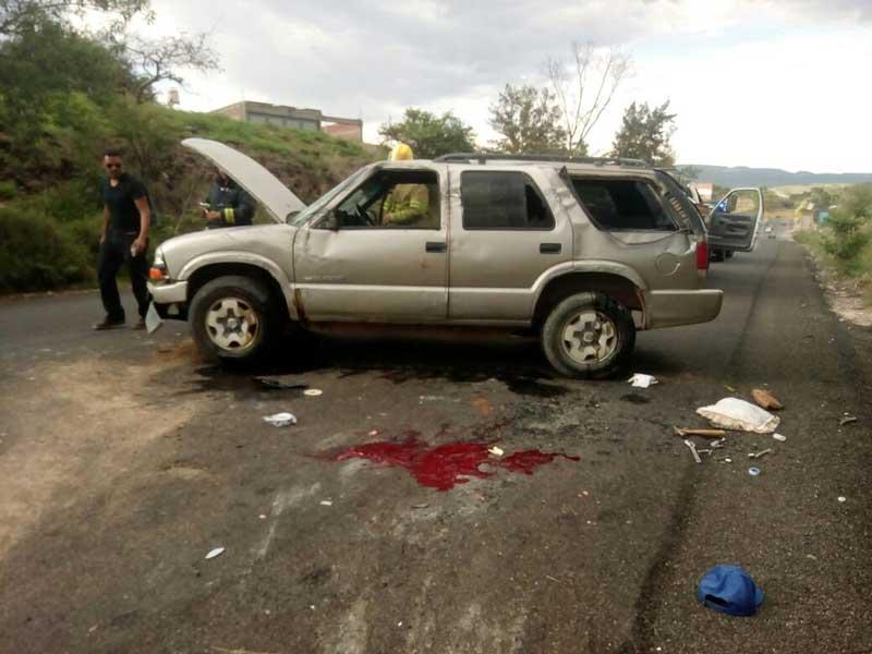 ¡Se volcó una camionetael conductor está grave en Aguascalientes!