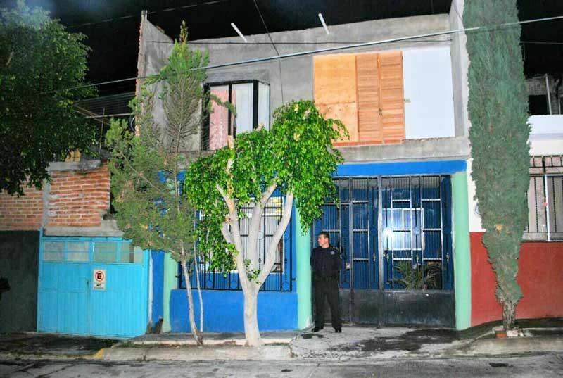 ¡Mecánico convivió con su familia y luego se quitó la vida en el patio de su casa en Aguascalientes!