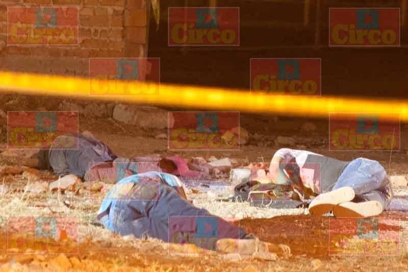 """¡Triple ejecución en Lagos de Moreno: acribillaron a sujetos con """"cuernos de chivo""""!"""