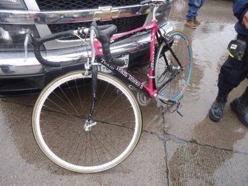 foto2-la bicicleta termino con algunos da+¦os en ela ccidente